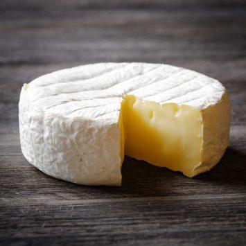Camembert-Cheese-w