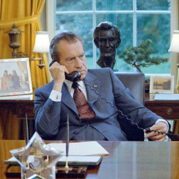 Nixon-w