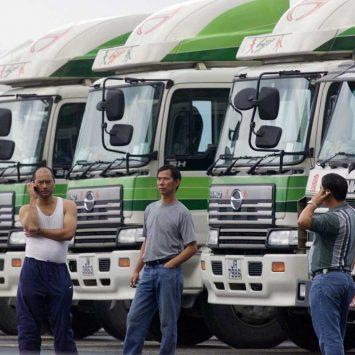 Trucks-w