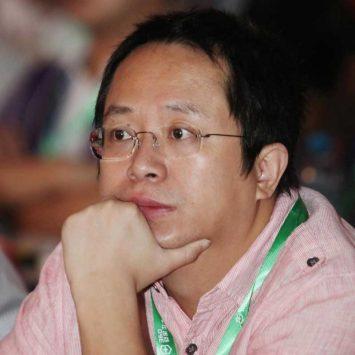 Zhou-Hongyi-w